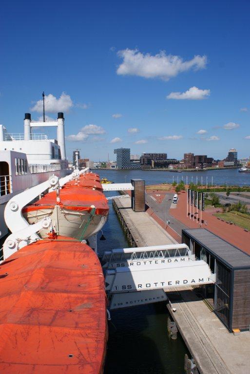De Rotterdam sideview